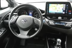 Toyota-C-HR-4